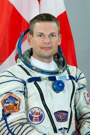 Dannebrog er nu vendt tilbage til himlen sammen med Andreas Mogensen. (Foto: Gagarin Cosmonaut Training Centre)